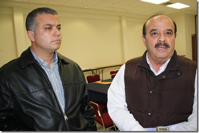 Roberto Karam, secretario del 25 Ayuntamiento y ¦ngel Ruiz, representante regional del Gob. Edo